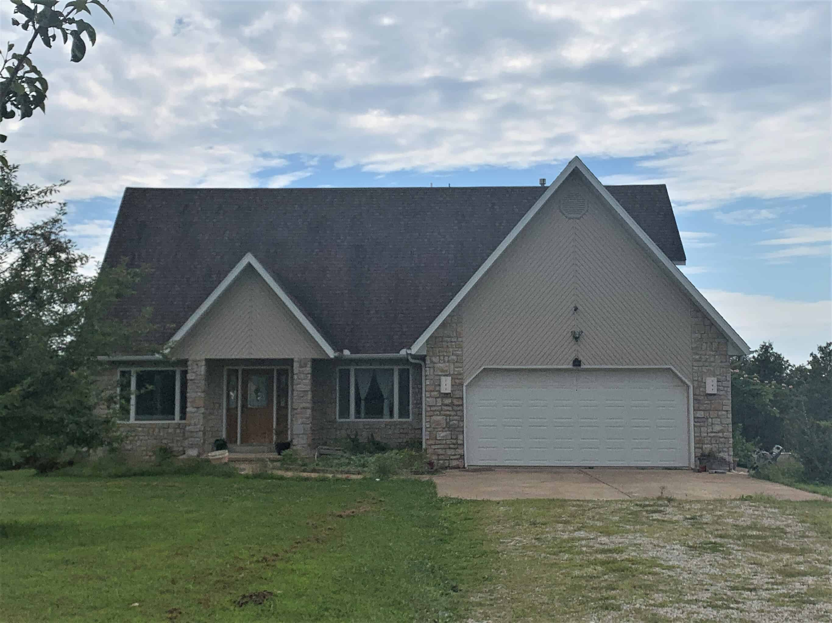 Home on Acreage for Sale in the Southern MO Ozarks