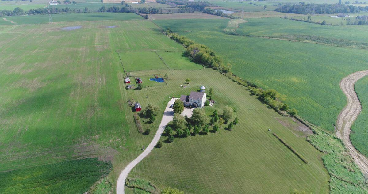 Wisconsin Country Home and Land For Sale in Ozaukee County