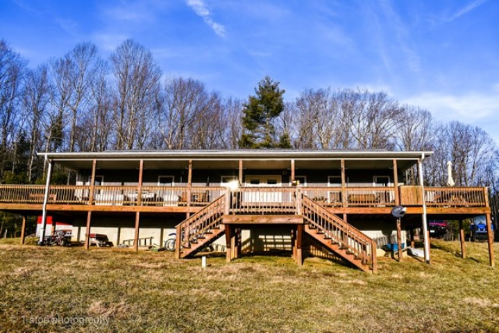 Beautiful Country Home with Acreage for Sale!