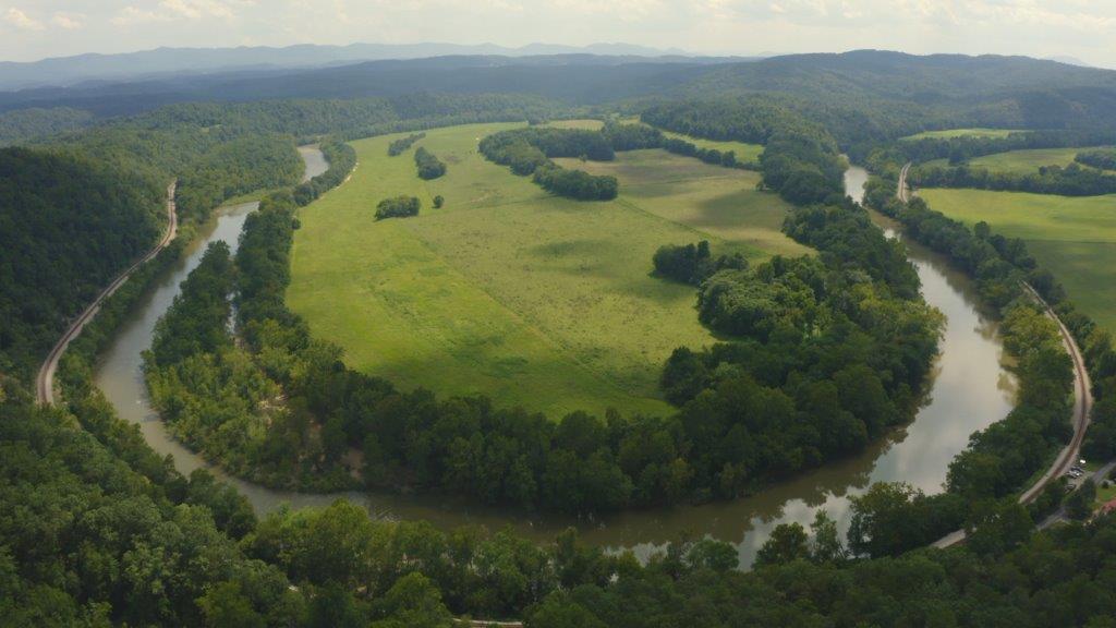 Riverfront Farmland for Sale in Eagle Rock VA!