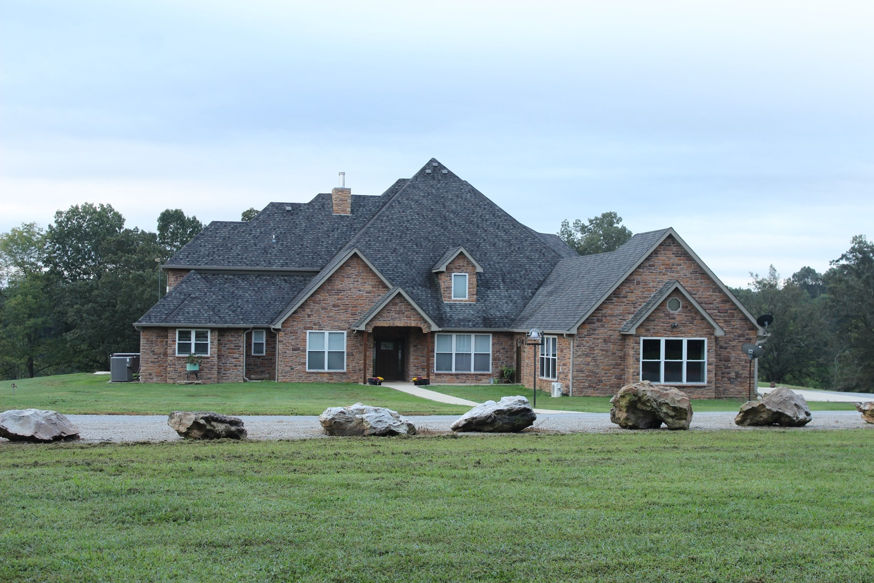 Executive-Style Home, Ranch for Sale in the Missouri Ozarks