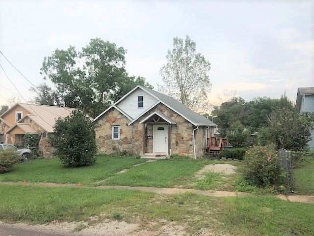 Stone Cottage For Sale in Southern Missouri