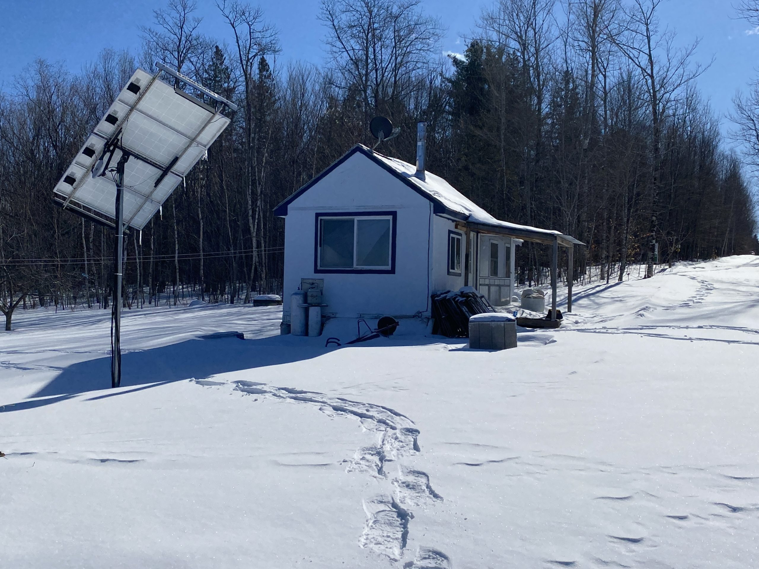 Off Grid Cabin with 86 Acres